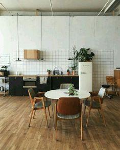 Home Interior Design .Home Interior Design . Kitchen Tiles, Kitchen Dining, Kitchen Decor, Kitchen Wood, Kitchen Counters, Round Kitchen, Design Kitchen, Bar Kitchen, Dining Area