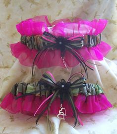 Realtree with Hot Pink wedding garter set yep imma get this :)