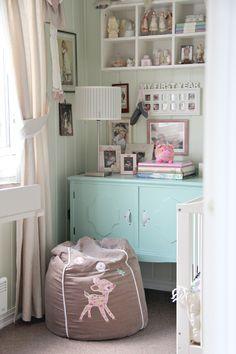 Babykamer vol pastelkleuren