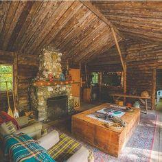 Indoor Survival, Worthington, Massachusetts. Photo: @kylefinndempsey #thecabinchronicles #huckscabins