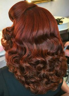 Pin by nubia garcia on Hairstyles in 2020 Gorgeous Hair Color, Beautiful Long Hair, Simply Beautiful, Medium Hair Styles, Curly Hair Styles, Natural Hair Styles, Medium Curly, Easy Vintage Hairstyles, Fancy Hairstyles