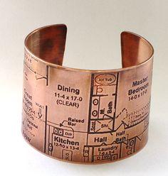 holy cuff bracelet, batman! I NEED this thing.