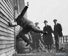 Prueba de cascos de fútbol, 1912
