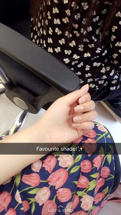 Imran shehzaad J Stylish Girl Pic, Cute Girl Photo, Girl Photo Poses, Girl Photography Poses, Beautiful Girl Makeup, Beautiful Girl Image, Beautiful Hands, Hand Pictures, Cool Girl Pictures