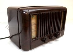 Superb Bakelite c 1949 Vintage - Little Maestro Model 10 By Pilot Radio Ltd