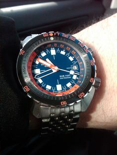 Dive Master 500 Mecha for Monday. Cool Watches, Watches For Men, Men's Watches, Vintage Dive Watches, Leather Watch Bands, Gentleman Style, Seiko, Rolex, Bracelet Watch