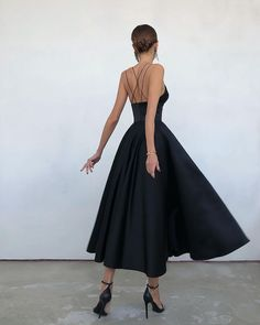Pretty Dresses, Sexy Dresses, Beautiful Dresses, Fashion Dresses, Long Dresses, Grad Dresses, Event Dresses, Love Clothing, Fashion Books