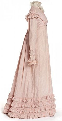 Dress, France, circa 1818-1820 Copper Roller printed cotton, cotton cloth scalloped