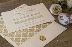 Sofisticado: convite de casamento elegante com lacre de cera.