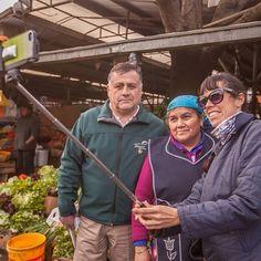 Listos para el #selfie? Esta simpática dama es de la etnia #mapuche una raza de guerreros que no pudieron ser conquistados por los españoles que llegaron a Chile. Fue todo un honor conocerla. Foto: @outdoorstv gracias Claudio!  www.placeok.com  #placeok #travelblog #travelbloggers #travelinspector #travel #awesome #happy #bestoftheday #igers #amazing #photooftheday #cute #followme  #repost #instagood #instamood #fun #follow #pretty #cool #adventure #chile #temuco #araucania #visitchile