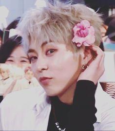 180412 M Countdown #BAEKHYUN   #EXO #엑소 #EXO_CBX #첸백시 #BloomingDays #花요일 @weareoneEXO