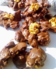 Σοκολατάκια !!!! ~ ΜΑΓΕΙΡΙΚΗ ΚΑΙ ΣΥΝΤΑΓΕΣ 2 Chocolate Cake, Almond, Pudding, Cupcakes, Sweets, Cookies, Breakfast, Desserts, Recipes