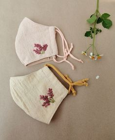 Embroidery Flowers Pattern, Embroidery Fabric, Flower Patterns, Embroidery Designs, Embroidery Stitches, Diy Mask, Diy Face Mask, Homemade Face Masks, Mask Design