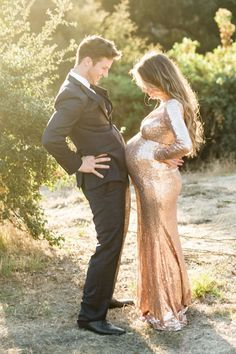 Maternity Poses, Maternity Pictures, Maternity Dresses, Maternity Christmas Pictures, Romantic Maternity Photos, Couple Maternity, Maternity Portraits, Baby Pictures, Pregnant Outfit