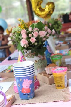 Peppa Pig kids activity table