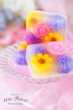 Handmade Soap Recipes, Soap Making Recipes, Handmade Soaps, Diy Soap At Home, Home Made Soap, Homemade Soap Bars, Melt And Pour, Green Soap, Soap Carving
