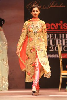Revisit - Pallavi Jaikishan @ Indian Couture Week 2010 - Asian Wedding Ideas
