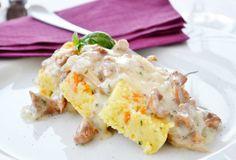 Mit dem folgenden Rezept gelingt eine köstliche, cremige Schwammerlsauce. Mit frisch gepflückten Pilzen schmeckt die Sauce noch besser.