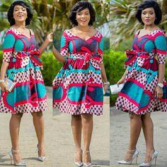 Belle en pagne Robes En Tissu Pagne, Modèle Pagne, Vetement Ethnique, Model  Africain