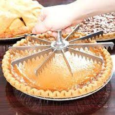 Stainless Steel 10 Cut Pie and Cake Marker / Cutter Pie Crust Recipes, Cake Recipes, Vegan Recipes, Baking Gadgets, Kitchen Gadgets, Baking Tools, Kitchen Utensils, Pie Cutter, Cake Slicer