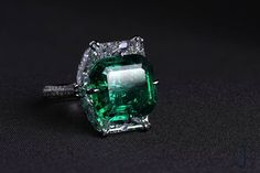 15ct Colombian Emerald and Diamond Ring by FORMS http://amzn.to/2ryRgm9