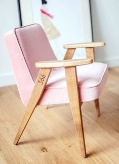 Pink chair / silla rosa