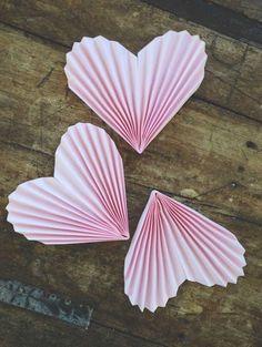 DIY accordion paper hearts tutorial
