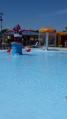 There's attractions for everyone, even the young kids! With water guns and fountains, they can play safely in their own area by the Big Kahuna wavepool.