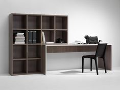 Bureau met opbergruimte, wel in wit/grijs of lichte kleur