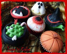 Halloween cupcakes mwa ha haaaaa!