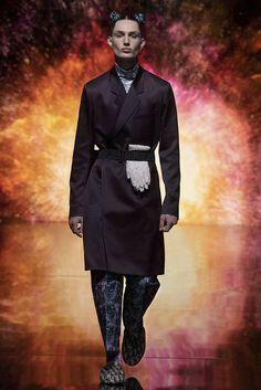 Vogue Paris, Beijing, Dior Men, Dior Atelier, Kenny Scharf, Dior Logo, Fashion Show, Mens Fashion, Dior Fashion