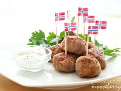 Cocktail party perfect Norwegian Meatballs. #food #meatballs #appetizers
