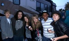 Zoey & The Suite Life on Deck Cast Behind The Scenes - 2010 Sprouse Bros, Dylan Sprouse, Old Disney Channel, Disney Channel Stars, Suit Life On Deck, Old Disney Shows, Life Of Kylie, Cole Spouse, Zack Y Cody