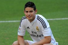The real reason they bought James Rodriguez. Real Madrid 2014, James Rodriguez, Good Soccer Players, Handsome Boys, Sports And Politics, Polo Ralph Lauren, Sexy, Mens Tops, Shirts