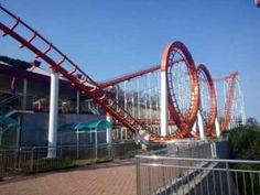 4 ring roller coaster for sale with high safety, quality, and competitive price. Buy 5 / rings roller coaster thrill ride online from Qiangli. Roller Coaster For Sale, Biggest Roller Coaster, Best Roller Coasters, Roller Coaster Ride, Rollercoaster Funny, Ring Roller, Riders On The Storm, Amusement Park Rides