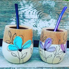 Painted Plant Pots, Painted Flower Pots, Pots D'argile, Clay Pots, Diy Crafts For Gifts, Felt Crafts, Z Craft, Mug Decorating, Organic Art