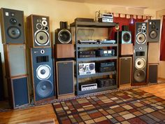 The Reference Stereo System - My old friend/colleague Dudley doing what he does best! Vintage and new audio gear. Hifi Speakers, Hifi Audio, Car Audio, Radios, Audio Room, Music Decor, Philips, Loudspeaker, Audio Equipment