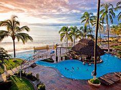 Plaza Pelícanos Grand Beach Resort se localiza en la Zona Hotelera de #Puerto #Vallarta