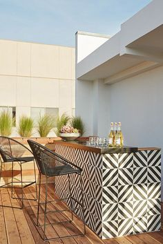 ideas for patio bar design decks Outdoor Tiles, Outdoor Rooms, Outdoor Living, Outdoor Decor, Ikea Outdoor, Outdoor Retreat, Outdoor Flooring, Outdoor Storage, Backyard Ideas