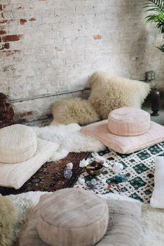 om at home. Meditation Room Decor, Meditation Cushion, Meditation Space, Diy Home, Home Decor, Floor Cushions, Round Cushions, Handmade Cushions, Mermaid Blanket