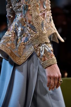 ELIE SAAB Haute Couture Autumn Winter 2017 - 18 | Who can't be in awe of such amazing detailing :)