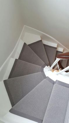 Ideas Gray Stairs Carpet For 2019 Grey Stair Carpet, White Carpet, Carpet Stairs, Carpet Flooring, Hall Carpet, Fur Carpet, Plush Carpet, Bedroom Carpet, Living Room Carpet