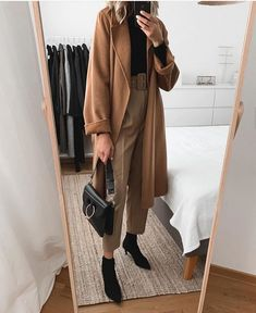 Fashion Mode, Office Fashion, Look Fashion, Fashion Black, Woman Fashion, Fall Fashion, Fashion Tips, Style Année 80, Mode Style
