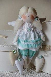 choinka, konik na biegunach, lalka tilda, lalki artystyczne, mikołaj, ozdoba, ozdoby świąteczne, rękodzieło, tilda, tilda christmas, zabawki szmaciane, anioł, tilda