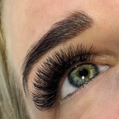 Super dark thick and fluffy = medium Volume lashes. We use the Russian method of proper handmade fans - so no heavy glue and cluster lashes here just light weight lashes but a dark and glamorous look! #sydneylashes #sydneyeyelashextensions #volumelashessydney #volumelashspecialist #russianvolumesydney #ladylash
