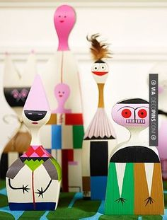 Love this - Alexander Girard Wooden Dolls: Alexander Girard, Arte Popular, Wooden Dolls, Designer Toys, Wood Toys, Art Plastique, Vintage Toys, Art Dolls, Creations