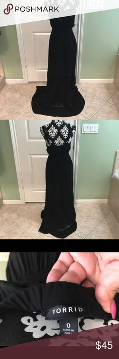 Torrid Long  Floral Maxi dress In great pre loved condition has a elastic empire waist for comfort and adjustable shoulder straps perfect for any occasion torrid size 0 torrid Dresses Maxi