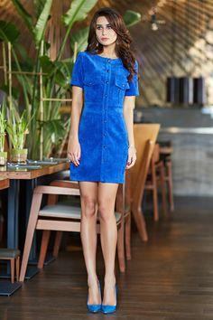 Платье из вельвета цвета электрик