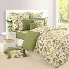All over floral print double bedsheet or double bed comforter that makes your room look like a garden of flowers
