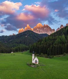 South Tyroll - Italy ⚪️❤️ . Via @sassychris1 . #luxepicture